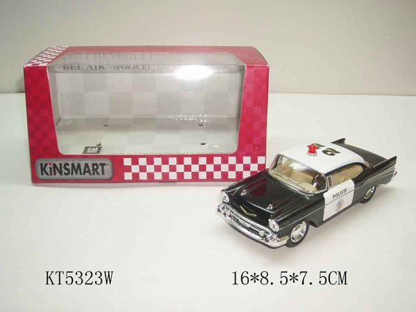 Машина 1957 CHEVROLET BEL AIR полиция  инерционная 1:40 16*9*8см