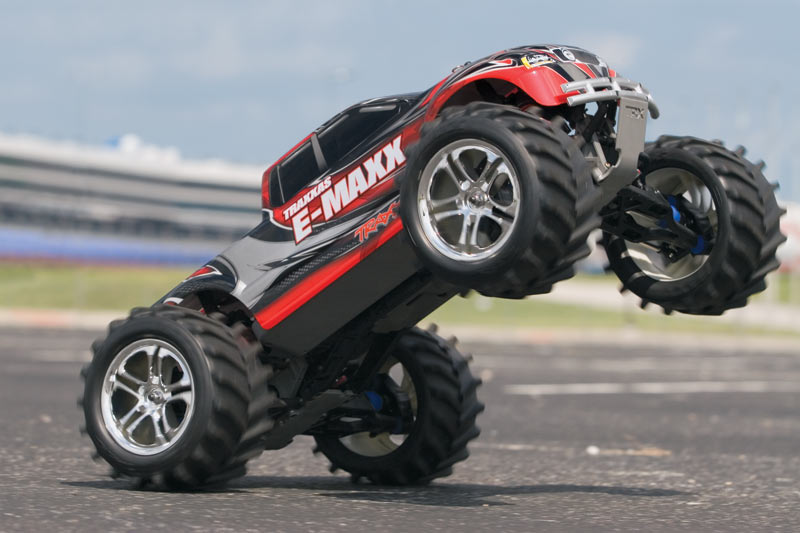 Монстр 110 Traxxas E-Maxx 2.4GHz RTR w2 7-Cell Batteries. Фото 1