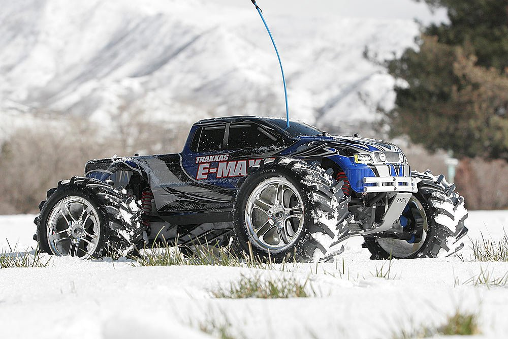 Монстр 110 Traxxas E-Maxx 2.4GHz RTR w2 7-Cell Batteries. Фото 3